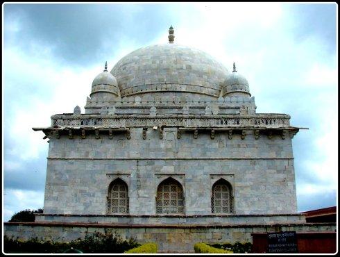 Hoshang Shah's tomb